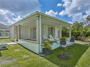 54017-villa20marca20004