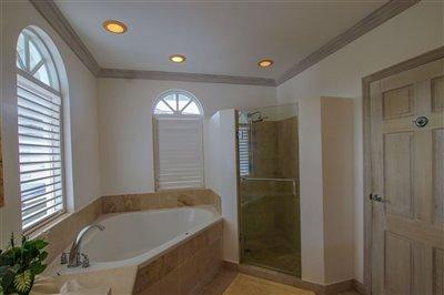 57068-hi20five20bathroom