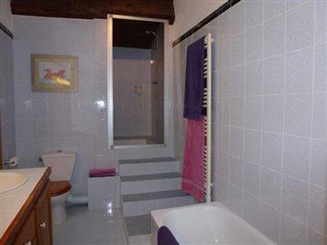 Bedroom--3a-2-Bathroom