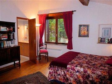 Bedroom--5-2