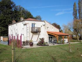 Image No.0-Maison de campagne de 5 chambres à vendre à La Caillère-Saint-Hilaire
