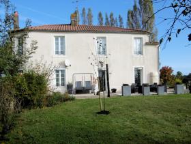 Image No.1-Maison de campagne de 5 chambres à vendre à La Caillère-Saint-Hilaire
