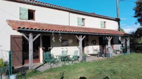 Image No.0-Ferme de 4 chambres à vendre à Saint-Barbant