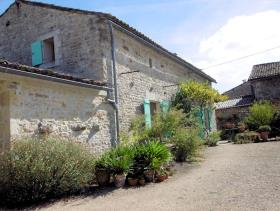 Image No.21-4 Bed Farmhouse for sale