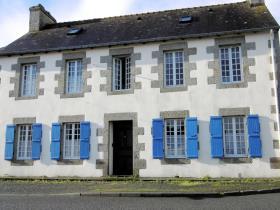 Quintin, House