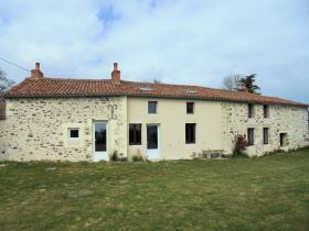 Image No.18-3 Bed Farmhouse for sale