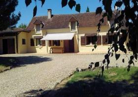 Leugny, Country House