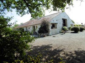 Apremont, House