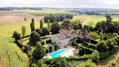 1 - Duras, Country House