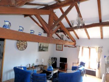 Upstairs-Lounge--2-