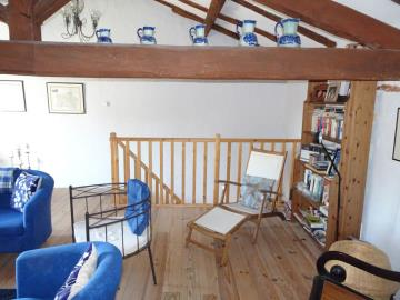 Upstairs-Lounge--3-