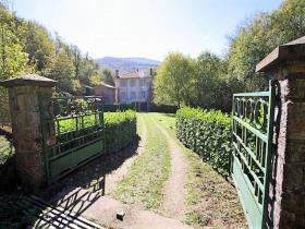 Image No.1-Maison de campagne de 4 chambres à vendre à Saint-Pons-de-Thomières