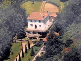 Image No.0-Maison de campagne de 4 chambres à vendre à Saint-Pons-de-Thomières