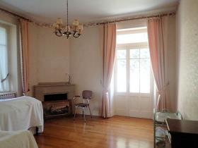 Image No.7-Maison de campagne de 4 chambres à vendre à Saint-Pons-de-Thomières