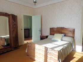 Image No.9-Maison de campagne de 4 chambres à vendre à Saint-Pons-de-Thomières