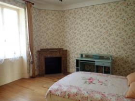 Image No.11-Maison de campagne de 4 chambres à vendre à Saint-Pons-de-Thomières