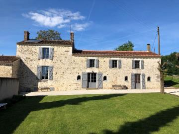 1 - La Chapelle-Thémer, Country House
