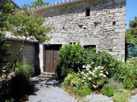 Image No.15-3 Bed Farmhouse for sale
