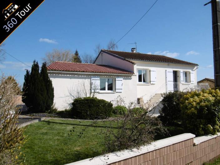 Moutiers-sous-Chantemerle, House>