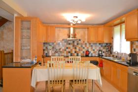 Image No.1-4 Bed Country House for sale