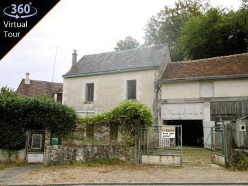 1 - Ferrière-Larçon, House