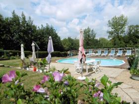 Image No.1-Propriété de pays de 6 chambres à vendre à Coulonges-sur-l'Autize