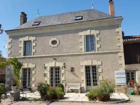 Image No.0-Maison de 3 chambres à vendre à Argenton-l'Église