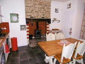 Image No.2-4 Bed Cottage for sale