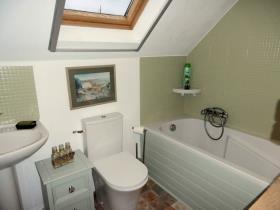 Image No.4-4 Bed Cottage for sale