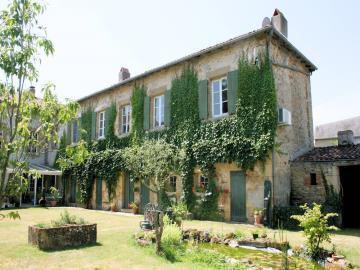 006-House-annex-and-Garden