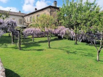 009-House--annex-and-wisteria