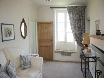 027-Vienne-Suite-Sitting-Room