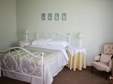 030-Charente-Suite-Bedroom