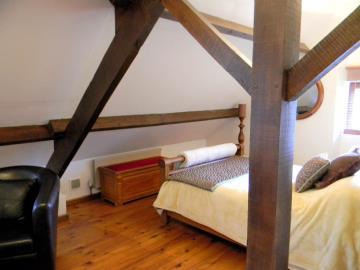 2nd-guest-bedroom-2