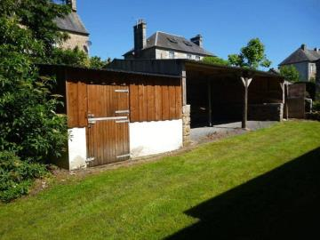stable-and-carport