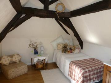 17-bedroom-4