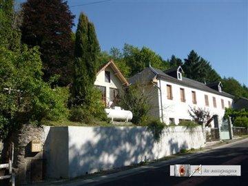 1 - Châteauneuf-les-Bains, House