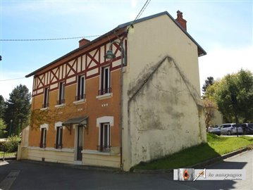 1 - Charensat, House