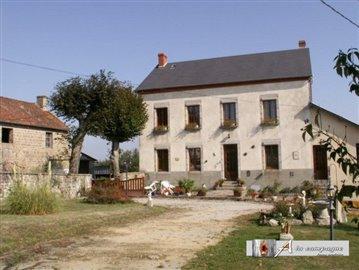maison-ferme-rougnat-vente-1497600806-vm10006
