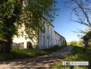 maison-ancienne-reterre-vente-1557939753-vm12