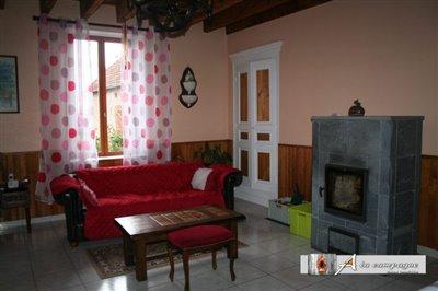 maison-bourgeoise-servant-vente-1512122816-vm
