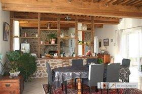 Image No.3-Maison de 4 chambres à vendre à Buxières-sous-Montaigut