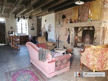 maison-ancienne-la-celle-vente-1579698140-vm1