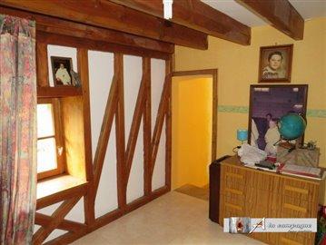 maison-ancienne-le-quartier-vente-1578678759-