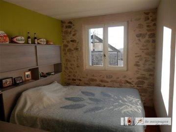 maison-ancienne-le-quartier-vente-1580803141-