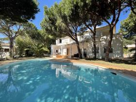 Image No.0-Villa / Détaché de 4 chambres à vendre à Castro Marim
