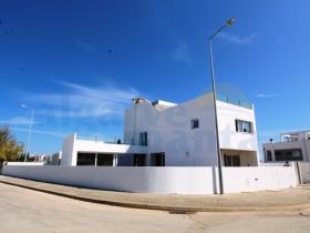 Image No.0-Villa de 4 chambres à vendre à Santa Maria