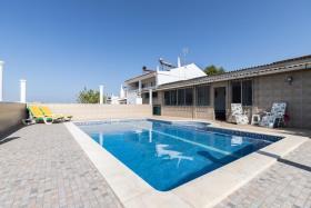 Image No.0-Maison / Villa de 4 chambres à vendre à Azinhal