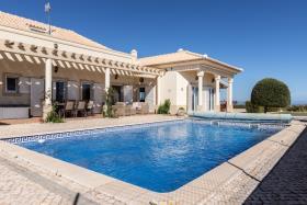 Image No.0-Maison / Villa de 4 chambres à vendre à Altura