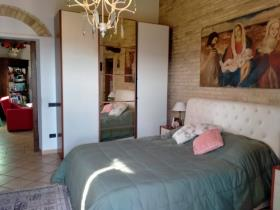 Image No.11-Ferme de 9 chambres à vendre à Chianni